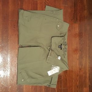 NWT Style & CO 12 green pants 12  with capri strap